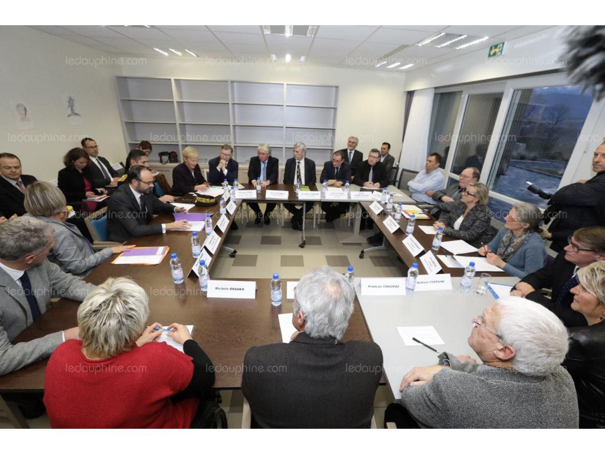 Table ronde sur le handicap avec Mr Edouard Philippe, premier ministre…